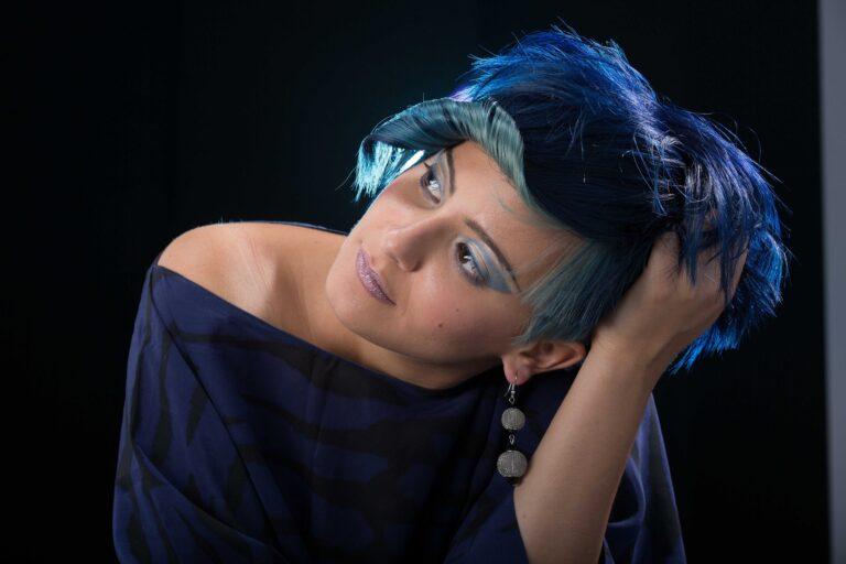 blue-haircolor-trend-2021