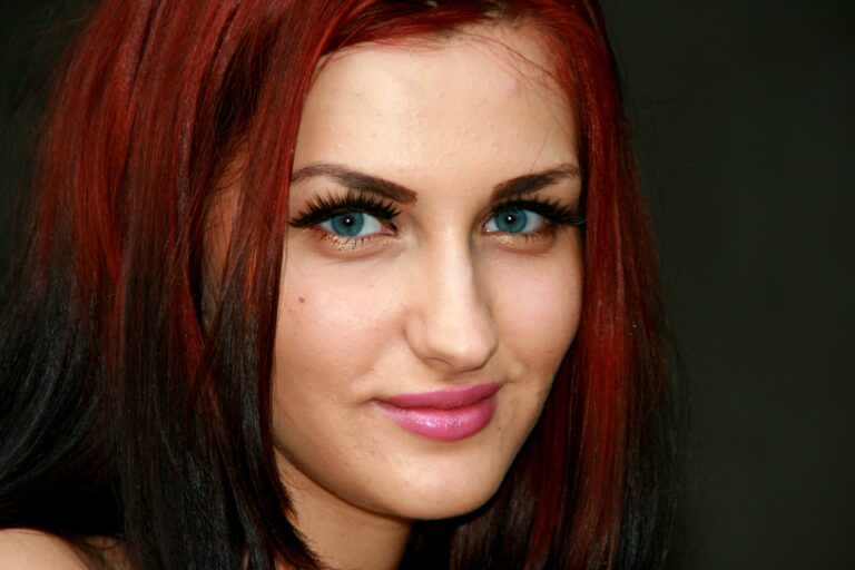 darl red hair color