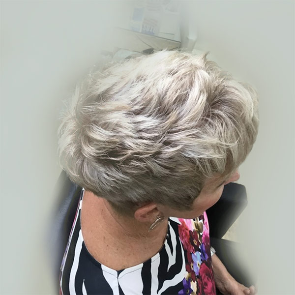 short blonde layers