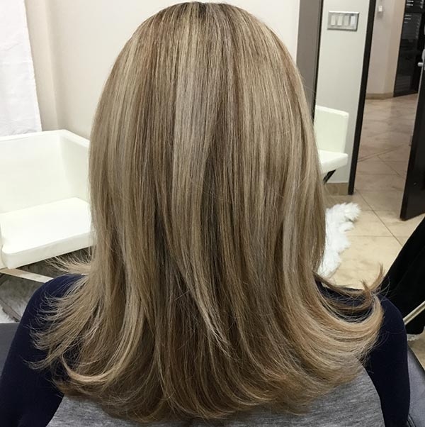 perfecting blonde highlights on hair